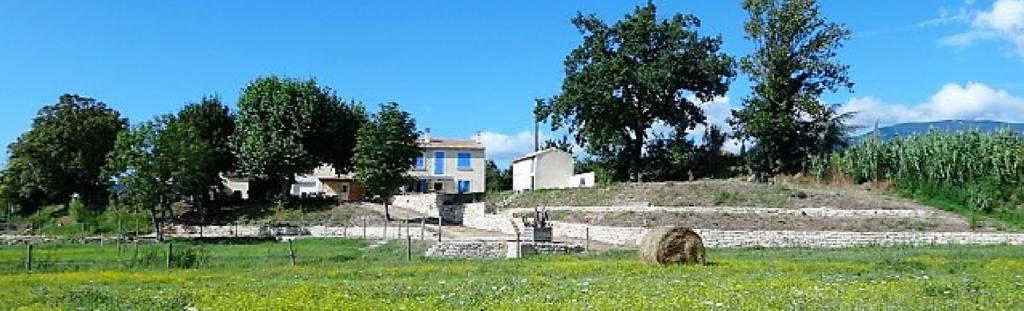 champêtre fontaine vaucluse gorges tour de france 14 juillet 15 août pâques toussaint gite location bedoin ventoux vélo randonnée maison vacances